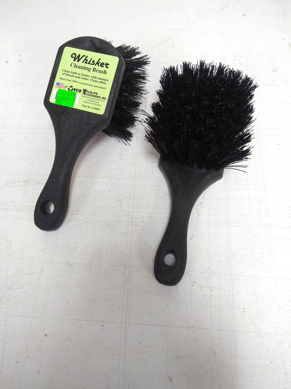 These large brushes work great for birdbaths and cleaning out large feeder trays.