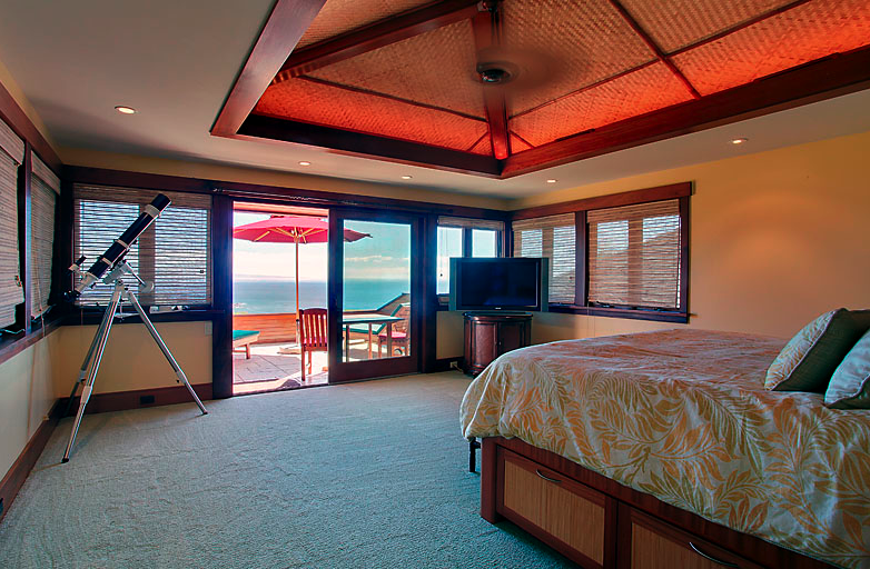 bedroom of Lanai wedding venue