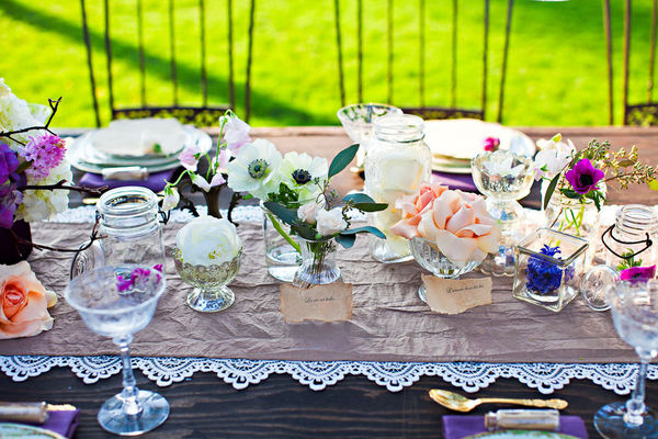 table setting runner