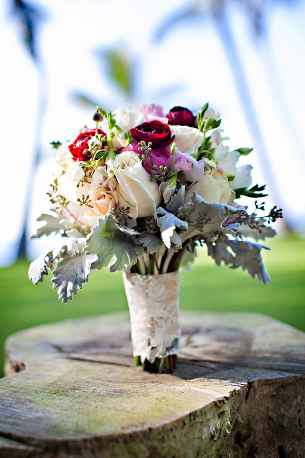 beautiful wedding bouquet Maui
