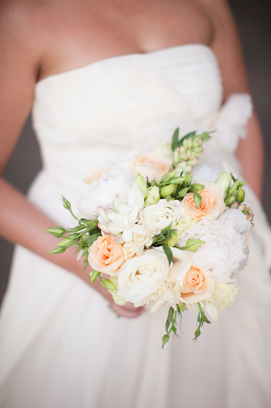 beautiful maui wedding bouquet