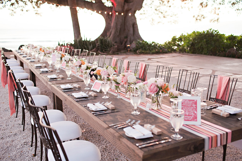 table setting for wedding at olowalu plantation house