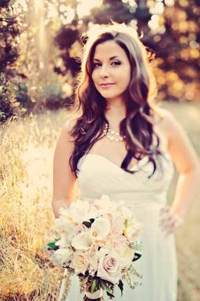 Jane's bridal portraits with bouquet