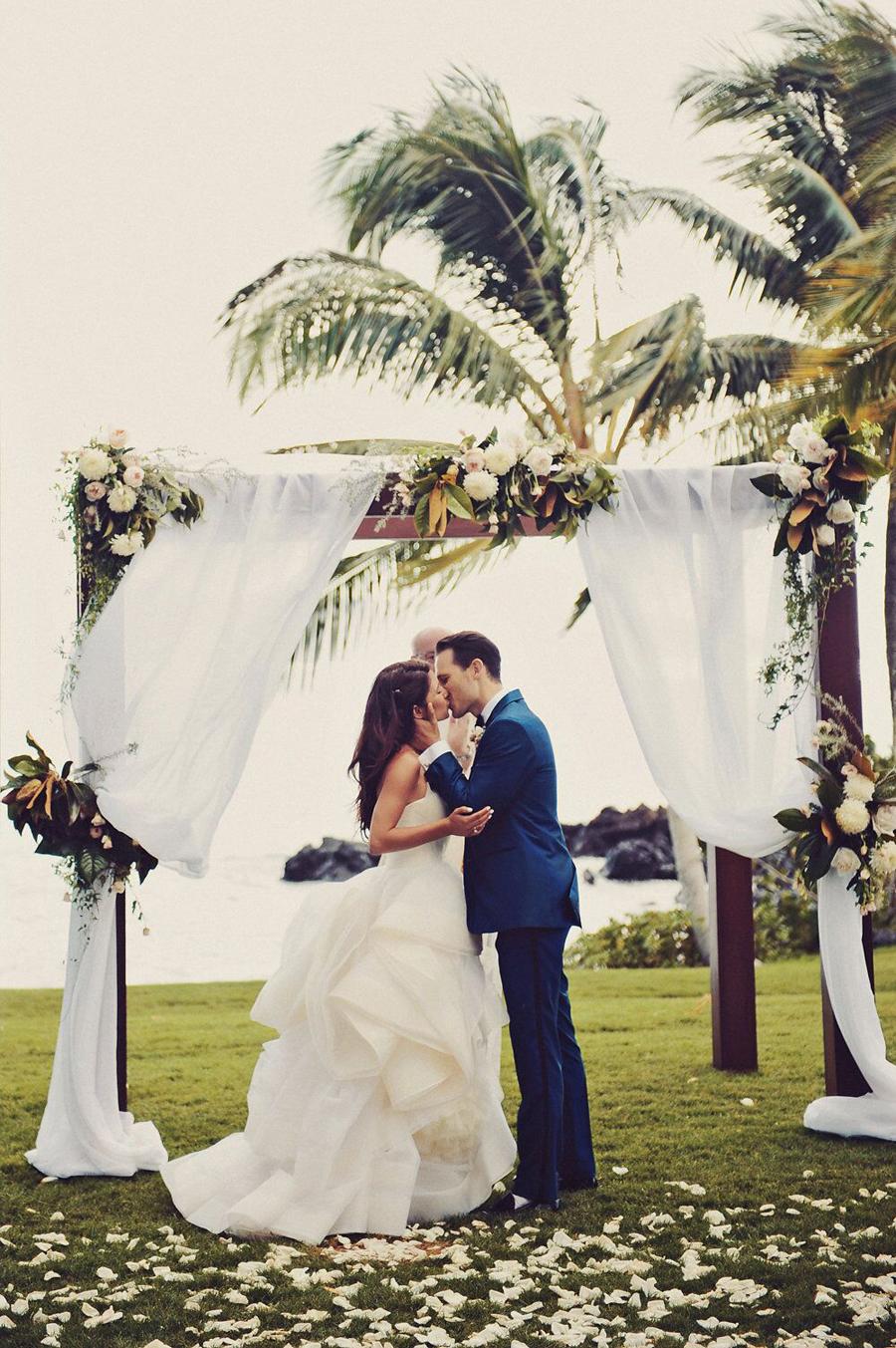 Floral, Floral Design, Blooms, Wedding, Wedding Day, Wedding Ceremony, Ceremony