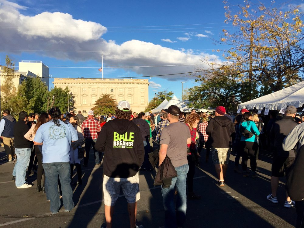 People at Yakima Fresh Hop Fest