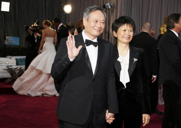 Ang Lee and Jane Lin at the Oscars. Image via China Daily.