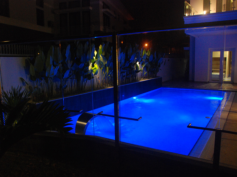 kolam renang.jpg