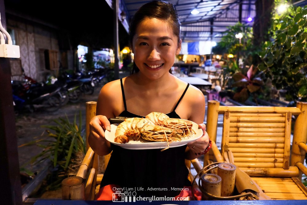 This is me smiling excitedly before savoring the delicious prawn!