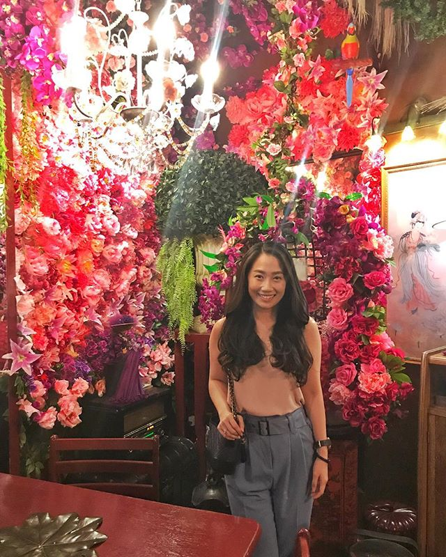 Hands down the most beautiful restaurant in Penang to date 👍🏻 • • • • • • • • #me #igdaily #instagood #igaddict #instadaily #flowers #florist #penangrestaurant #penangcafe #love #beautiful #visitpenang #georgetown #postthepeople #beautifulambience
