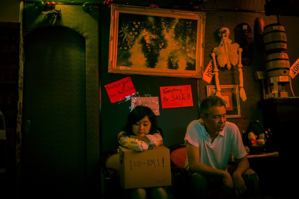 Tan Chui Mui / Malaysia / 2015 / Mandarin / 15min   After her singing career fails in Taiwan, Fei decides to move back to Malaysia to open a cafe. She meets up with Pete, an old friend she had not met in10 years. Pete had just recently closed down his music bar. He brings her to a junkyard to hunt for furniture.    Director:  Tan Chui Mui graduated from Multimedia University with a Bachelor Degree of Multimedia in Animation & Film in 2001. She then tutored in Multimedia University for 4 years.   In 2006, her first full-length feature film Love Conquers All won multiple new director's awards at the Rotterdam International Film Festival as well as Pusan International Film Festival. Her short films have won numerous prizes and awards in European festivals, including the Grand Prize in Clermont-Ferrand Short Film Festival.  Other than directing her own films, Chui Mui also produces films of other Malaysian independent filmmakers such as James Lee, Amir Muhammad and Liew Seng Tat. Her work is characterised by a poetic sensibility borne out of her small town upbringing and a keen eye for stories based on personal growth and redemption.