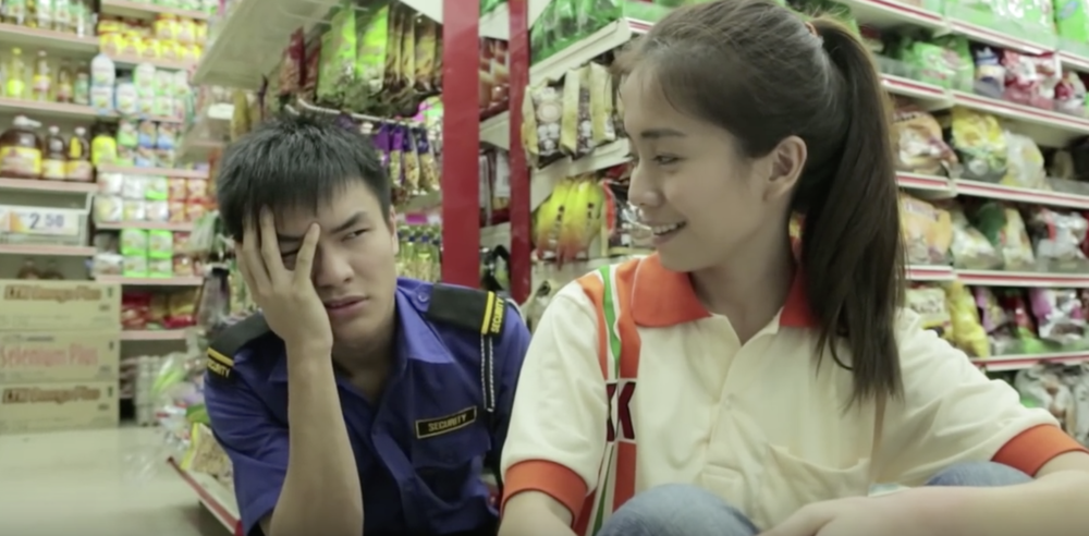 Tan Seng Kiat / Malaysia / 2014 / Mandarin / 14min   32°C Fall in Love revolves around the love of a security guard for a storekeeper. Built on the premise of romance with a hint of comedy, the love-inspired short film demonstrates how love can be found in the most bizarre circumstances.