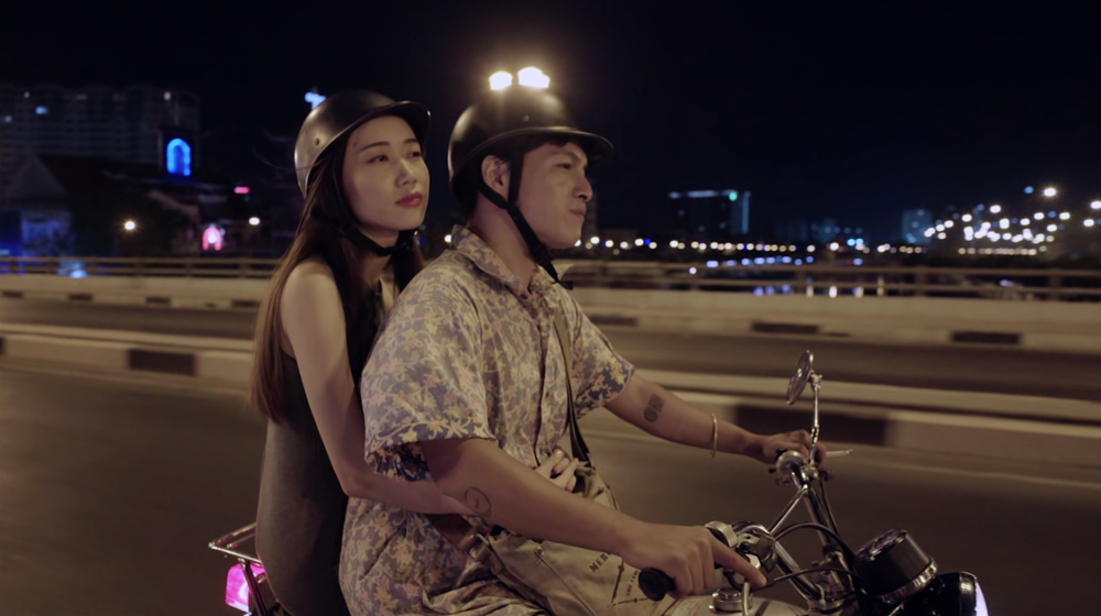 Trần Ngọc Khuyên / Vietnam / 2016 / Vietnamese / 24min   A young man wanders throught the big Ho Chi Minh city in the night on his mo-tobike in late night. He gives an elderly woman a lift. It opens up to be a long and magical night. Classic romance meets modern reality.   Director:  Trần Ngọc Khuyên graduated the Film Directing Course at Saigon International Film School in 2006. During the year 2015 - 2010, he was a founding member of 6th Sense Entertainment. Credited in many music videos for almost 5 years as Director of Photography/Director/Producer. In this period, he was still studying cinema and doing research on cinema at big film studio productions. He attended the University of Theatre and Cinema of Ho Chi Minh City, with credits as the lead actor in some short films.