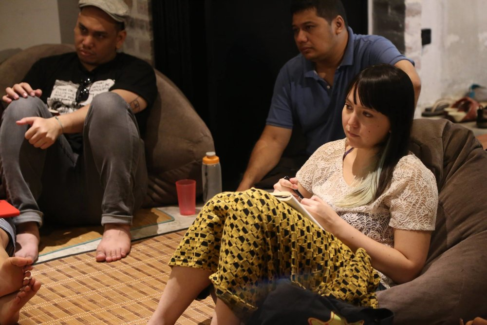 Here is a photo showing Amanda taking notes and looking very serious during the Shortcuts Script Development Workshop in Yasmin Ahmad Museum in Ipoh. We believed Woo Ming Jin was giving lecture at that moment.
