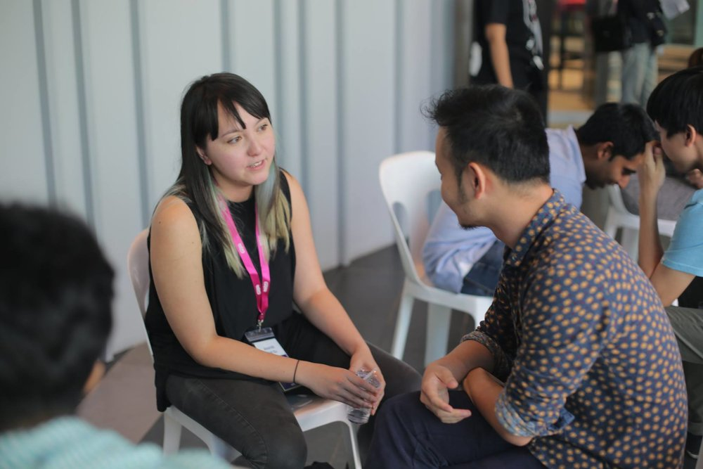 The first day of the Shortcuts Story workshop, during the speed dating session, Amanda talked to a mentor. Guess who was that?