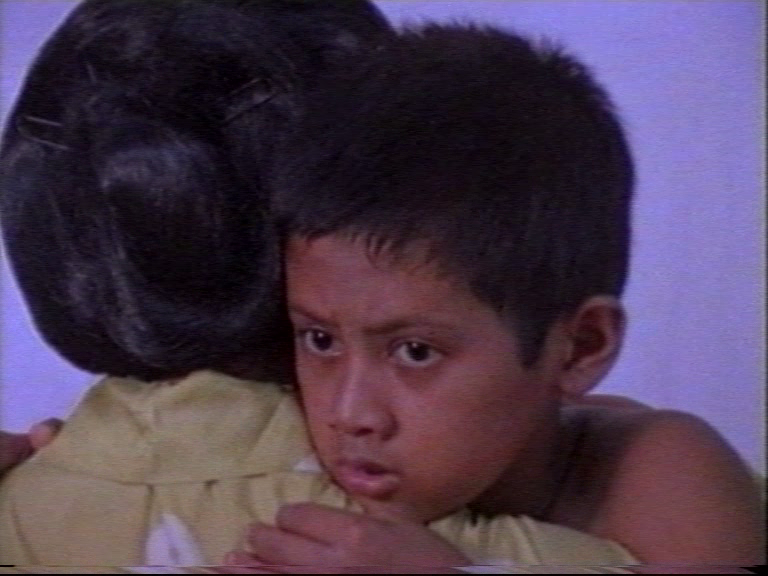 Hanung Bramantyo | Indonesia | 2001 | 20 mins  Topeng Kekasih (Mask of a Loved One) continues the themes in the now lost Tlutur (Broken Glass) where a small family of performers in Jogjakarta are struggling to keep a family secret that induces trauma for many generations.