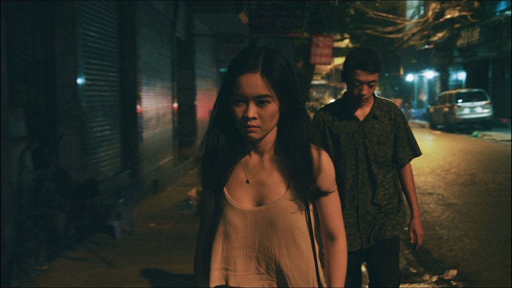 Hồ Thanh Thảo | Vietnam | 2017 | Vietnamese | 20 mins  Absorbed with a personal trouble, the frustrations of a young woman escalate when she suspects that her boyfriend is unfaithful to her.