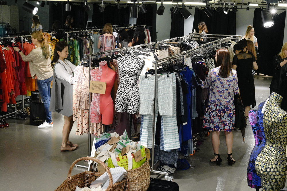 c5b3cb64b9 This month hundreds of Hong Kongers visited our latest Pop-up shop eager to  get their hands on quality secondhand clothes and accessories from the  Redress ...