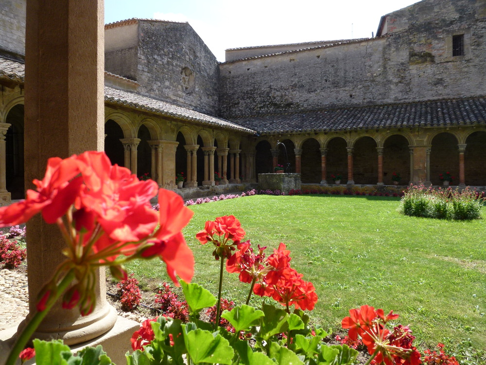 P1010165 - Cloisters of Abbey of Saint Papoul.JPG
