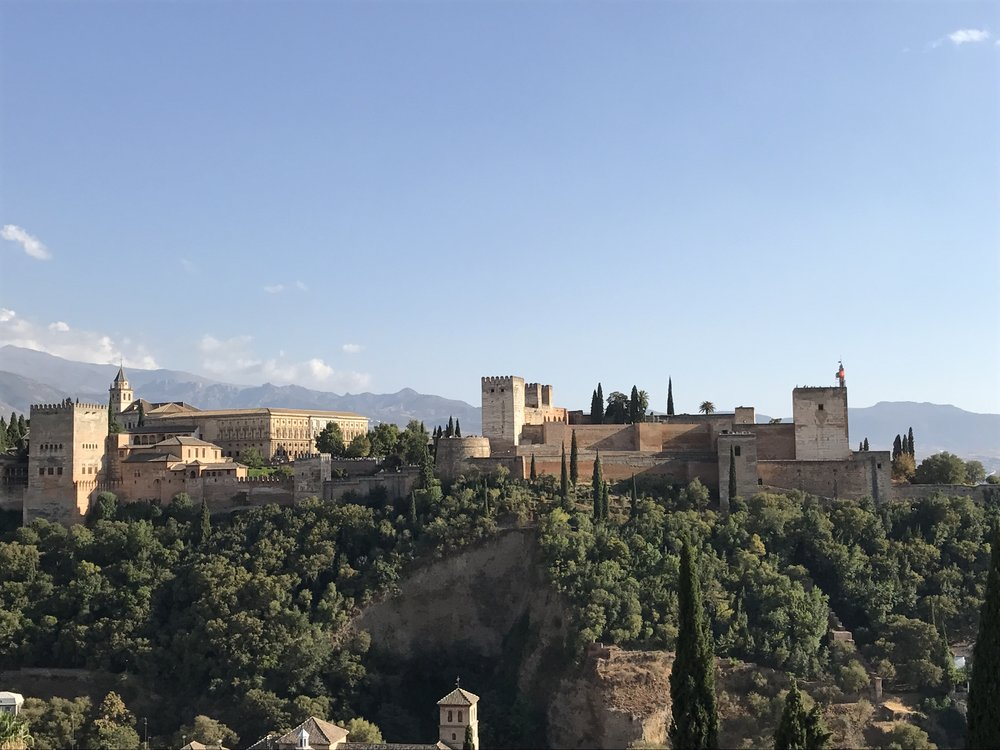 Granada is home to the majestic Alhambra, the Sierra Nevada mountains, free tapas and Flamenco. It has also been under the influence of many different cultures, from the Islamic Moors to the Spanish Christians as well as the Romans, Arabs, Jews and Berbers. This melding of cultures and religions through history has made Granada one of the most interesting and beautiful cities in southern Spain. This guide should aid you in navigating some the best this city has to offer.