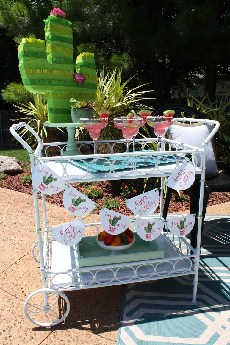 summertime-splash-pool-party-martini-bar-cart.jpg