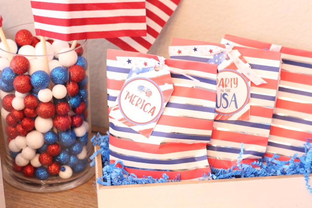 fourth-of-july-celebration-favor-bags.jpg