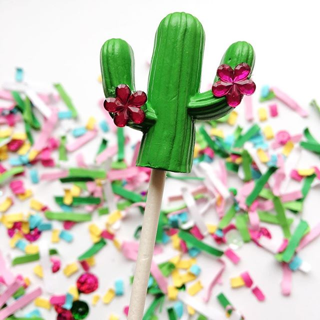 Even though it's Monday, there's no time for a Siesta. Let's have a Fiesta with this all new (limited in supply) 3D cactus cake topper that's now listed in my etsy shop. I only have 6 available. Tap pic to shop directly or via link in profile. It's perfect for upcoming Cinco de Mayo celebrations and even Fiesta themed birthdays or baby showers. - - - - - #partystylist #partyblogger #cactus🌵 #cactuslove #cactusgram #cactiofinstagram #southwesterndecor #cincodemayoparty #cactusparty #bhgcelebrate #eventstyling #mypartystyle #livebrightly #pinkandgreen #fiestaparty #caketoppers #cactusdecor #cactuscake #partyprops #partyplanning #festivefetti #partydetails #partydecorations #partyprep #partydesigner #cupcaketoppers #eventplannerlife #fiestafun #cactusobsession