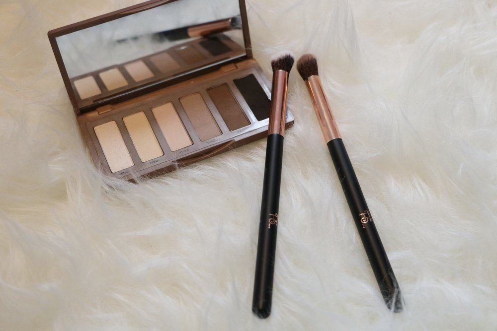 Eye contour brush (around €2)