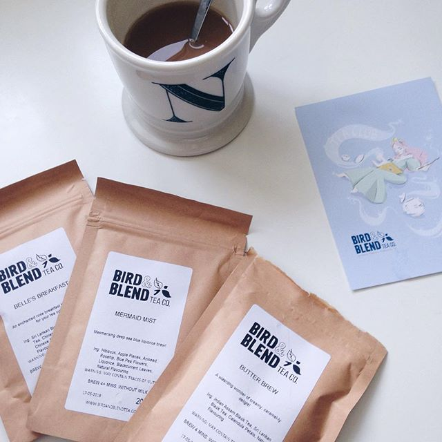 This month's @birdandblendtea Tea Box just arrived and all of the teas are inspired by fairytales 😍. I'm already drinking a cup of the Butter Brew (inspired by Harry Potter's butter beer course), and it's absolutely delicious! Also, sorry it's been so silent on here lately, we're both just very busy with school at the moment. Hope you guys don't mind ;). -N