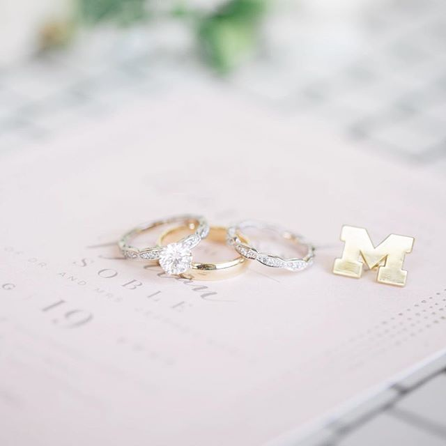 I am mainly posting this picture to give a subtle shoutout to the University of Michigan Men's Basketball team for winning the Big 10 Championship yesterday...and also because these rings are absolutely gorgeous!! Adding a collegiate cufflink, is such a fun way to incorporate your alma mater or favorite team into your big day!! 😍😍💙💛Photography: @juneandjae