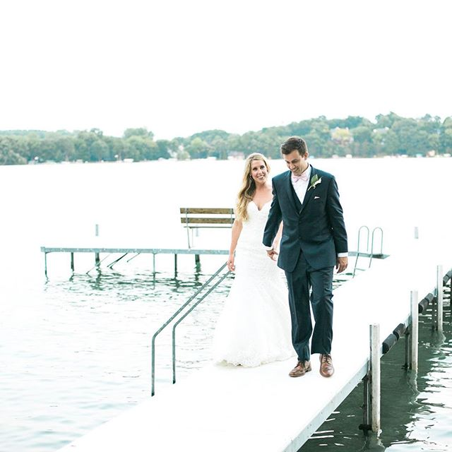 Summer...when are you getting here?! This picture is the epitome of a perfect summer wedding...a lake, dock, and lots of love! Photography: @laurelynsavannah