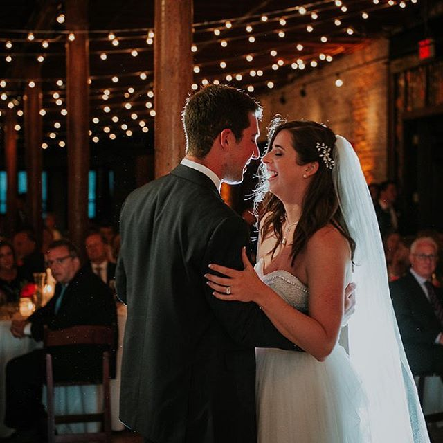 Yesterday was Carolyn and Matt's first wedding anniversary! I absolutely loved being part of their big day! Their first dance was so romantic under the string lights at @cuveemke. For more details, check out their feature in Wisconsin Bride! Link in bio. Photography: @annapagephoto Floral: @milwaukeeflowerco .⠀ .⠀ .⠀ .⠀ .⠀ #thebrideconsultant #wisconsinweddingplanner #milwaukeeweddingplanner #anniversary⠀ #weddingplanner #wisconsinbride #wisconsinbridemagazine #junewedding #summerwedding #marriedinmke #weddingplanning #planninginspo #weddinginspo #organicwedding #firstdance