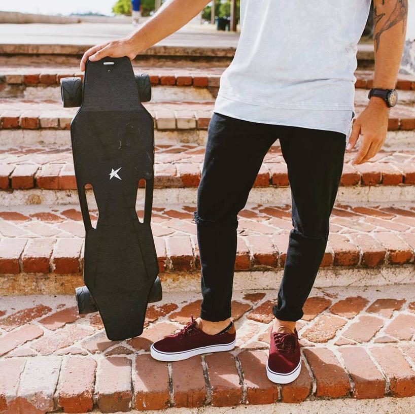 stark-mobility-stark-board-electric-skateboard-designboom-03.jpg