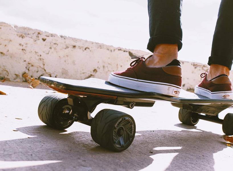 stark-mobility-stark-board-electric-skateboard-designboom-06.jpg