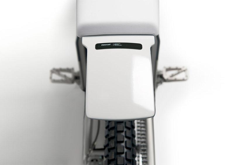 cake-kalk-electric-motorcycle-designboom06.jpg