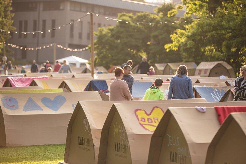 kartent-recyclable-cardboard-tents-festivals-eco-designboom-4.jpg