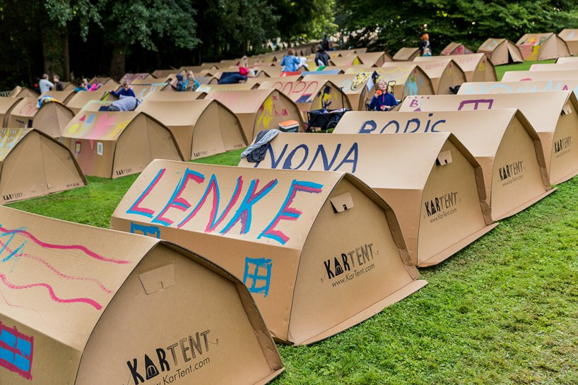 kartent-recyclable-cardboard-tents-festivals-eco-designboom-3.jpg