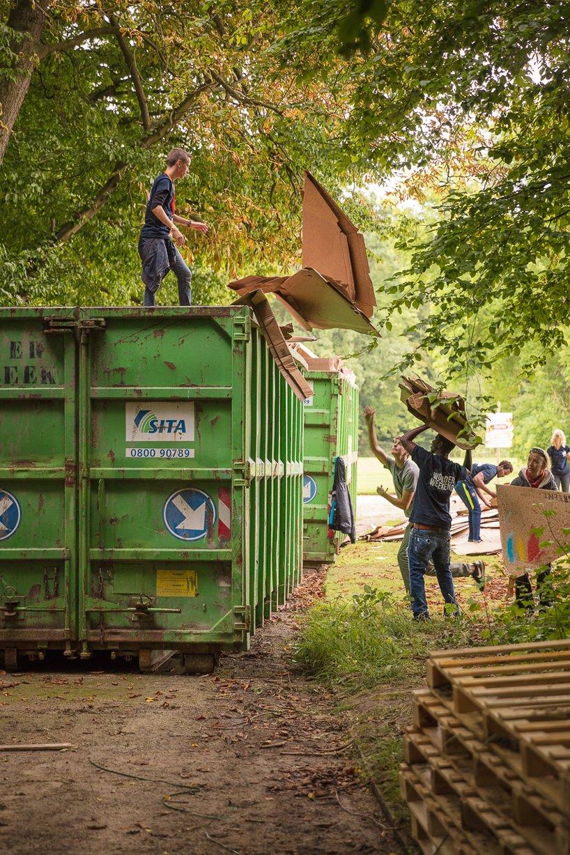 kartent-recyclable-cardboard-tents-festivals-eco-designboom-9.jpg