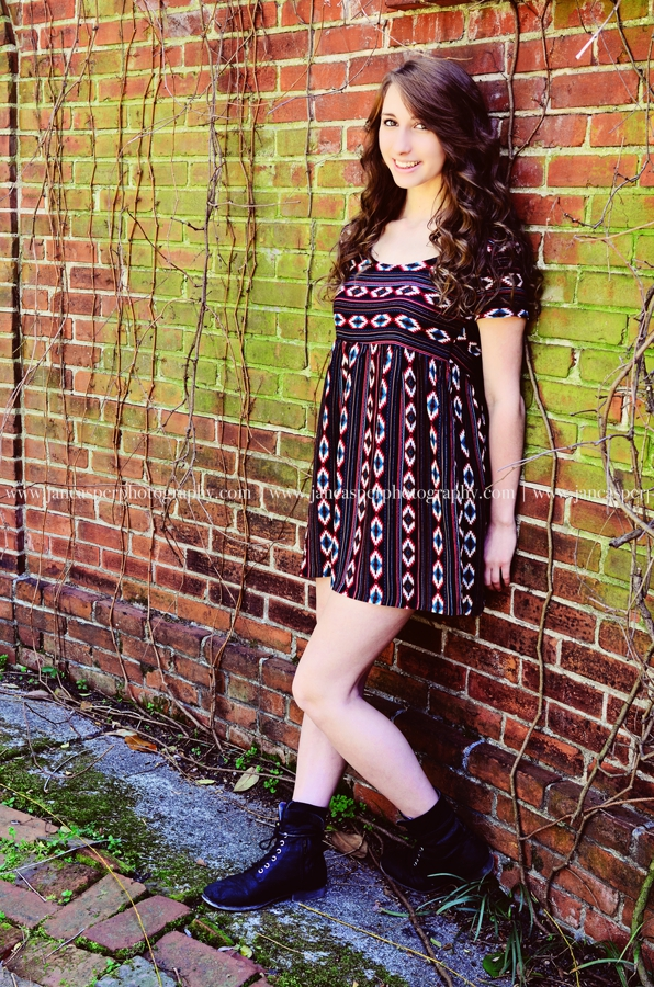 downtown Norfolk Virginia senior portrait Jan Casper Photography