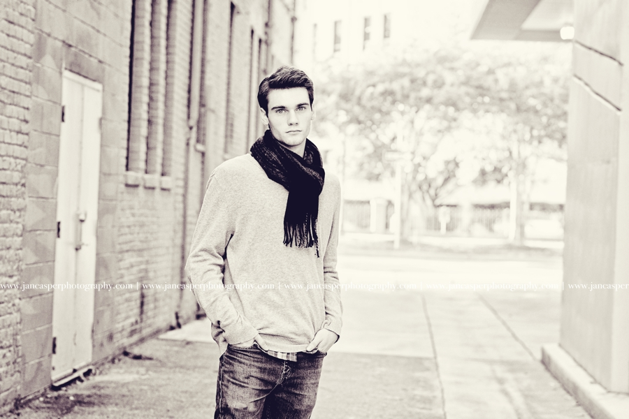 senior portrait downtown Norfolk Virginia Jan Casper Photography