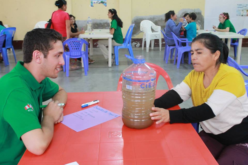 Water and sanitation workshop with Vive Peru