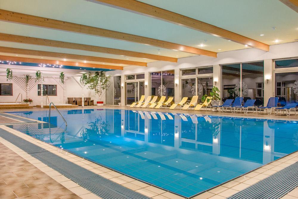 SJA Pool 01.jpg