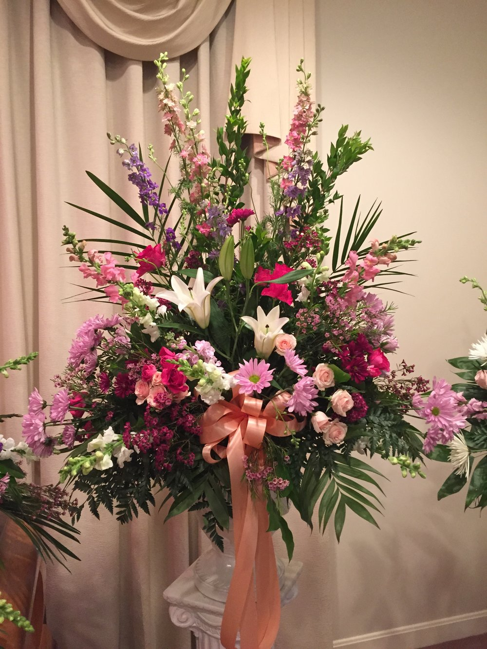 Funeral flowers daisy digins contact us to order flowers izmirmasajfo Choice Image