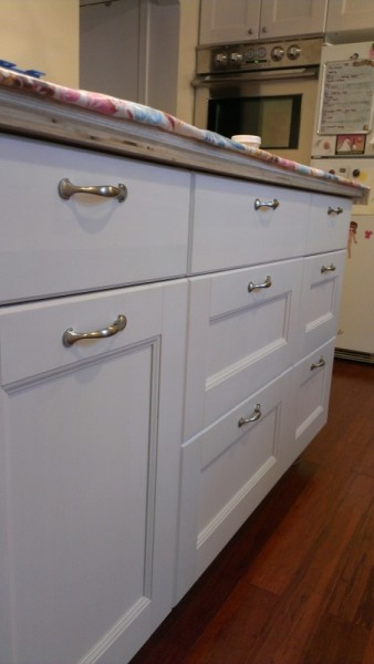 drawer pulls on ikea ramsjo