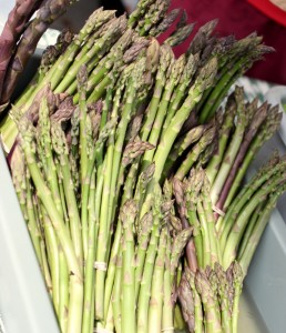 asparagus at farmers market