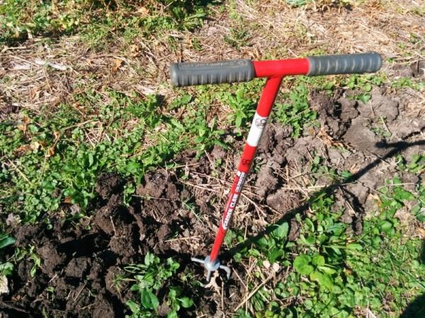 using garden fork