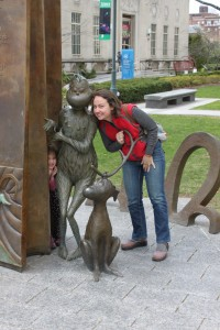 mom and child with grinch at dr seuss memorial