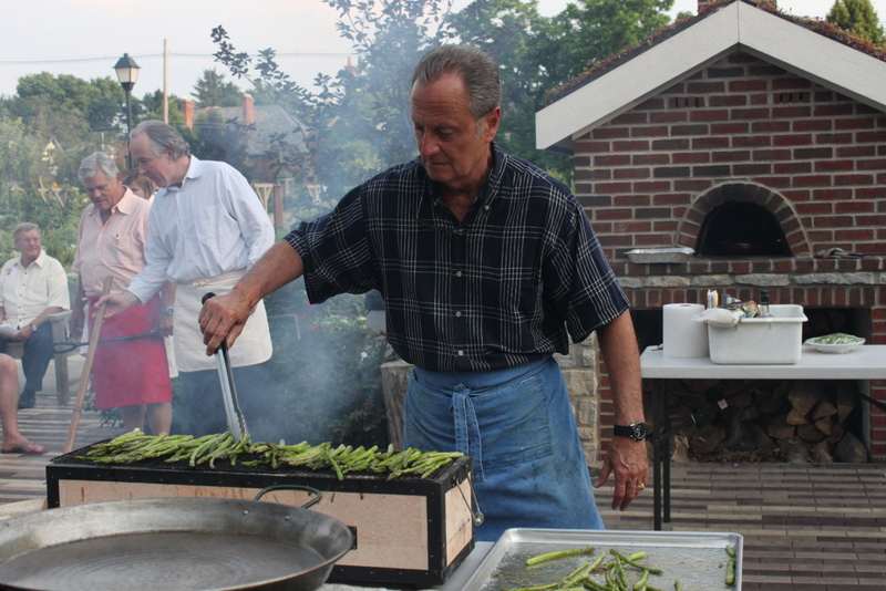 asparagus on yakitori grill