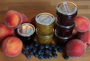 blueberry and peach jams