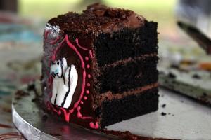 cut taysetee cake