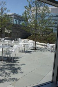 outdoor dining at nationwide childrens
